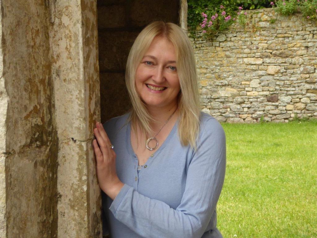 Victoria Connelly photo